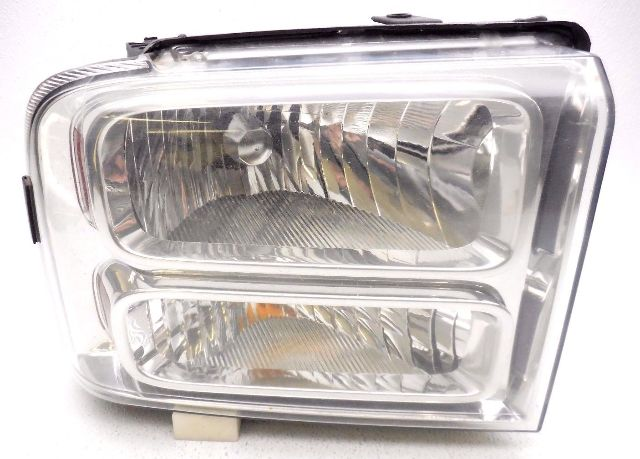 Fits 00-04 Ford Excursion Left Driver Composite Headlamp Assembly w//lined center