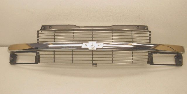 1995-2005 Chevrolet Astro Van Gold Front Grille Bow Tie Emblem new OEM 88934655