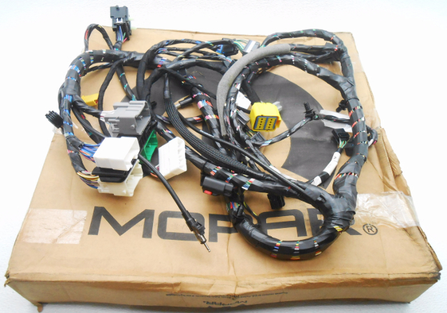 new oem 2005 chrysler 300 dodge magnum dash wire harness rh ebay com dodge magnum stereo wiring harness dodge magnum radio wiring harness