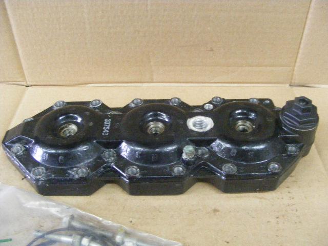 Johnson Evinrude 150-175 Hp Cylinder Head 337548 Cárter Barco Motor De Popa Marine