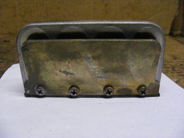 Johnson Evinrude 90-100-115-140-150 OMC Reed Valve Box Block Leaf Plate 389823