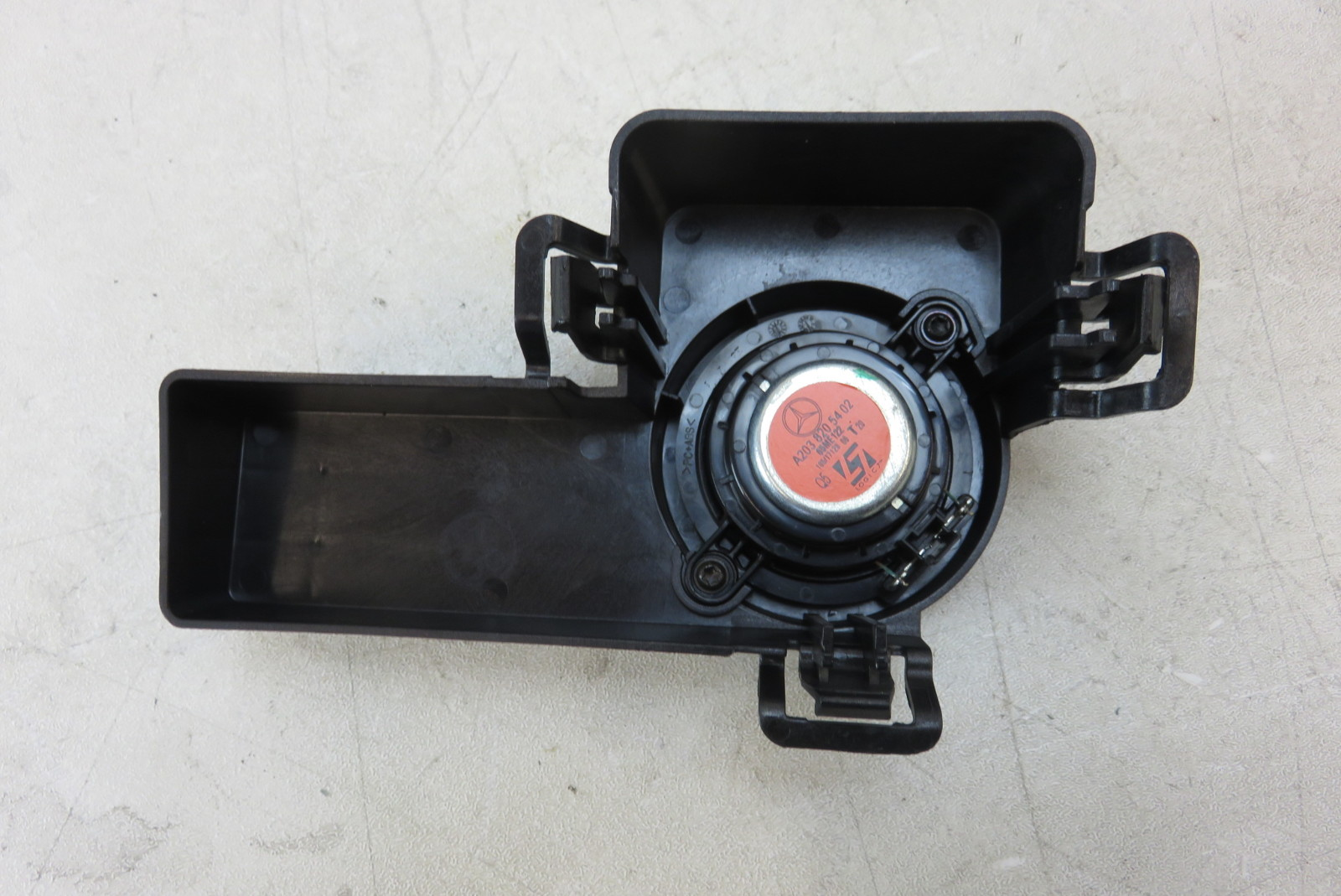 Logic7 2038205402 Mercedes W203 C230 C320 C55 speaker rear deck