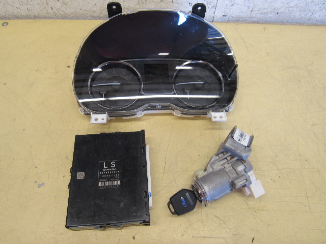 Subaru WRX Sti 15-17 speedometer, w/ engine computer / ignition lock/key