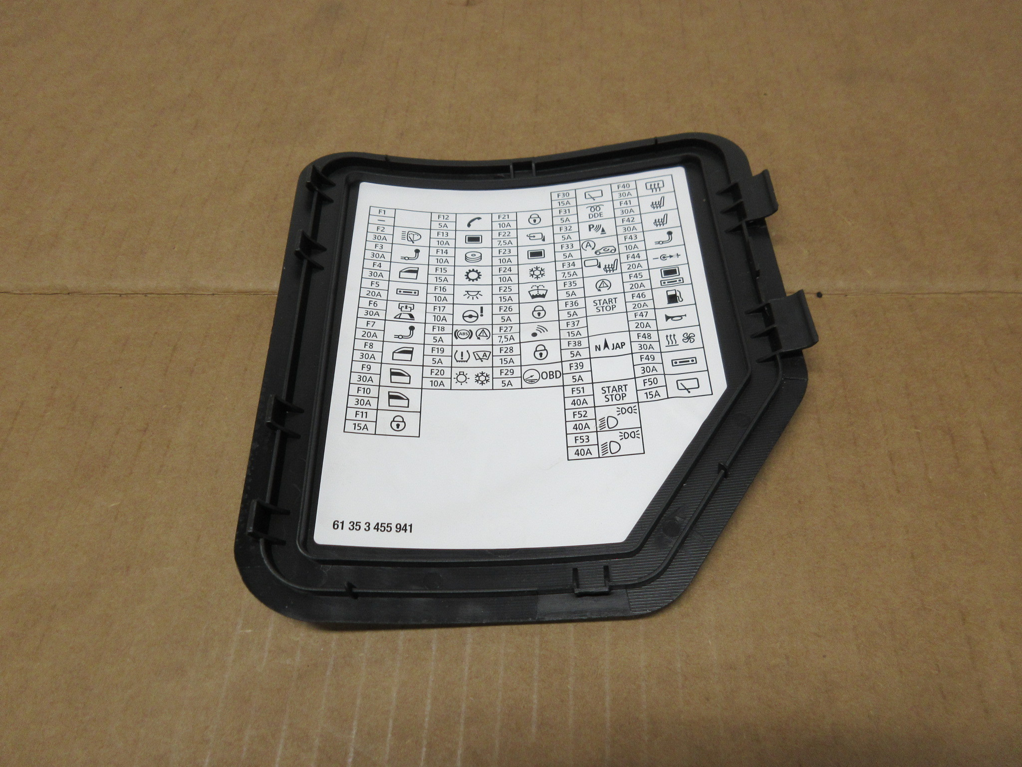 2012 Mini Cooper S R56 1027 Dash Fuse Box Relay Cover Lid 61353455941