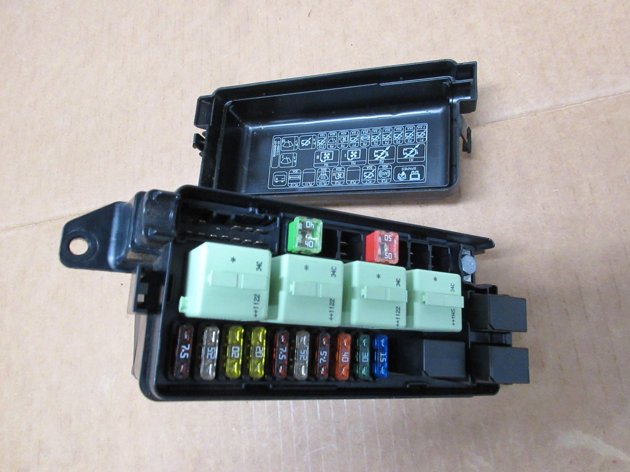BMW MINI R56 Motore Bay Fusibile Relay Box 2755704