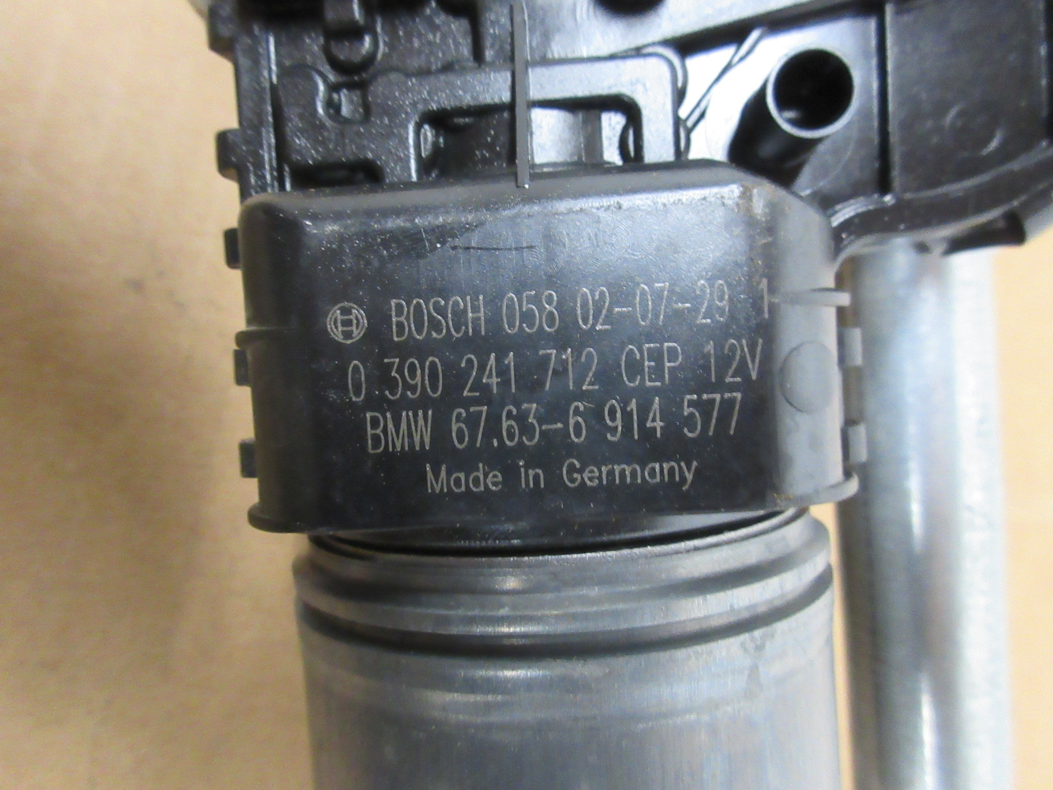 BMW E46 M3 330 Ci 320Ci 325 Ci Windshield Wiper Motor 67636914577 99-06