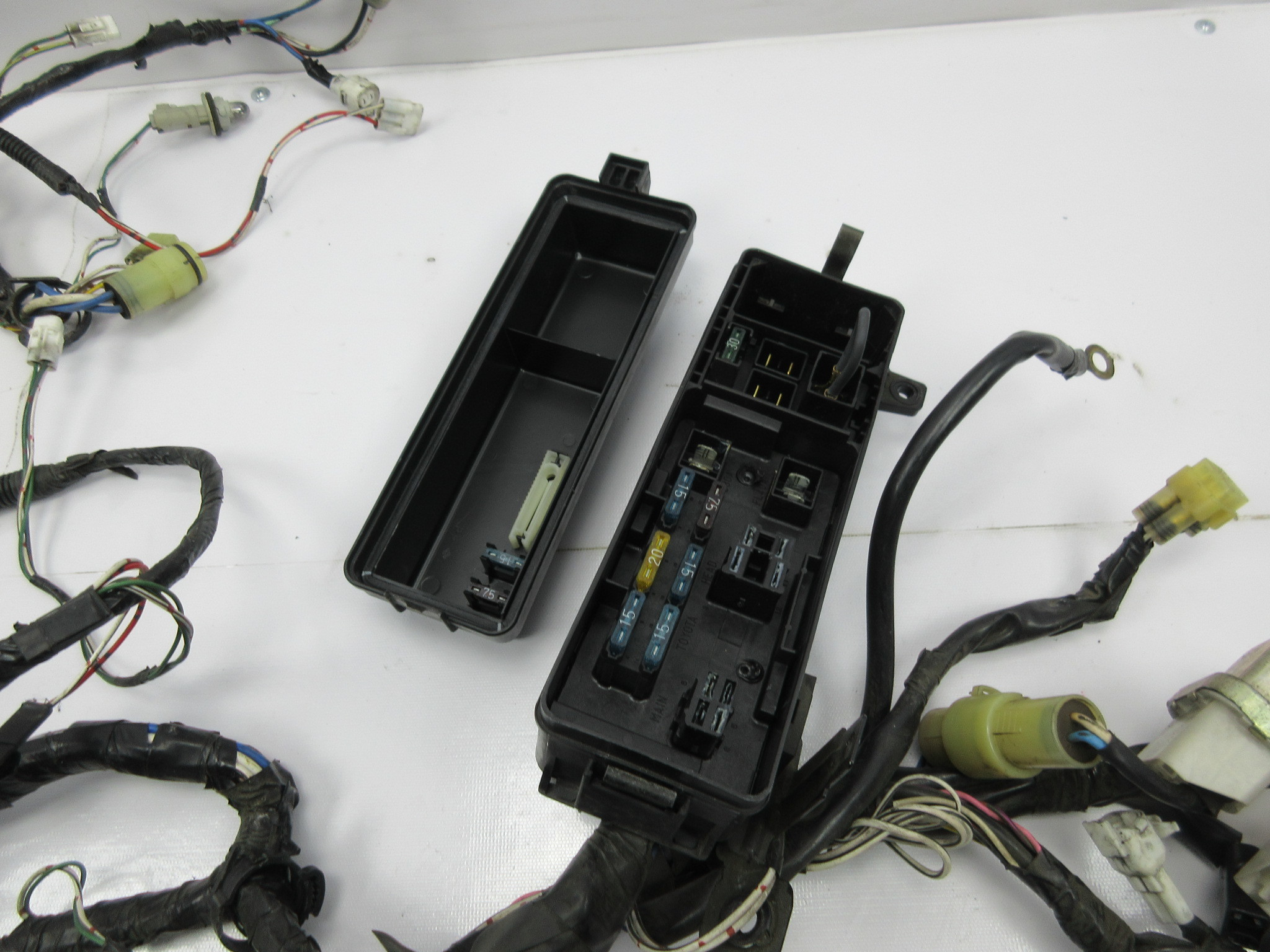1988 Toyota Supra Mk3 1042 Engine Bay Wire Wiring Harness Relay Box Headlights