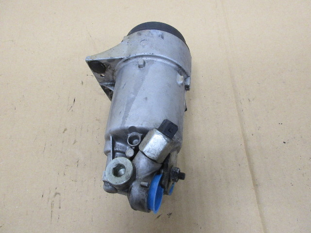 1995 BMW 840i E31 #1019 Engine Oil Filter Housing 1745064