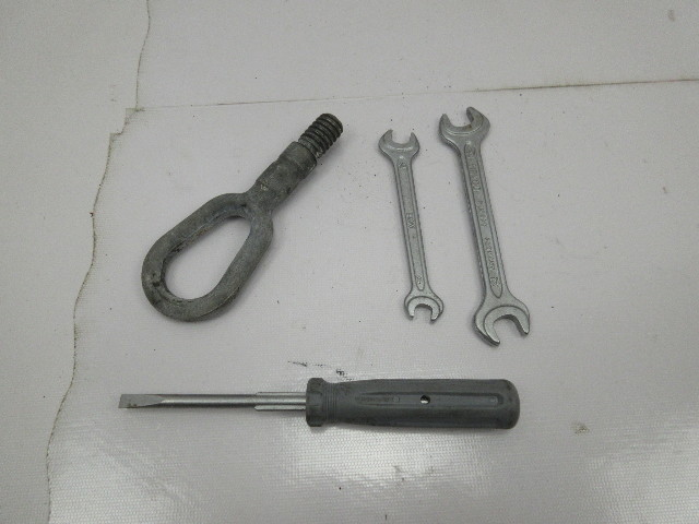 BMW Z3 M Roadster E36 #1044 Tools Kit Wrench Screwdriver Tow OEM Heyco
