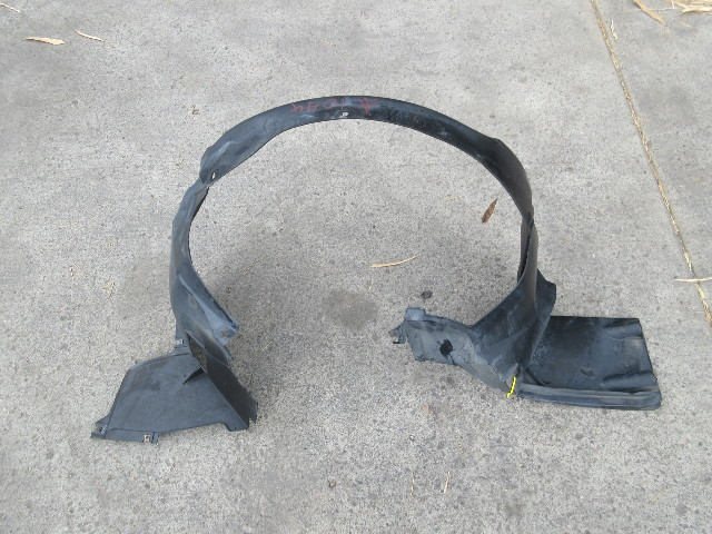 00 BMW Z3 M Roadster E36 #1044 Right Front Fender Liner Wheel Well Splash Guard