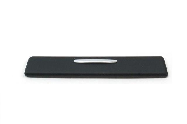 Cup Holder Trim in Dashboard Black//Chrome