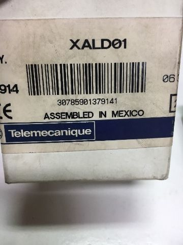 Telemanique XALD01 Push Button Enclosure 170689 Old-Stock